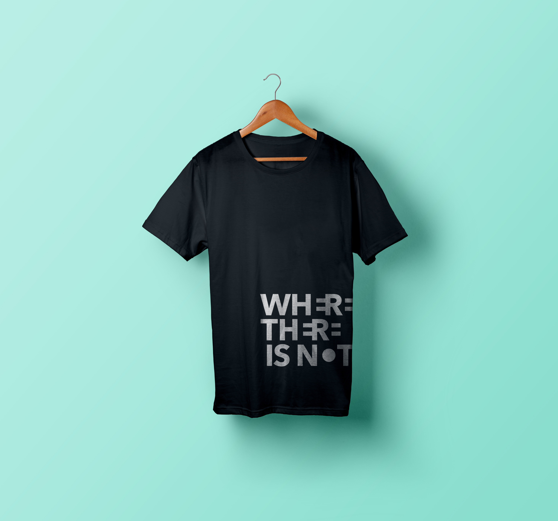 T-Shirt-Hanging-Mockup